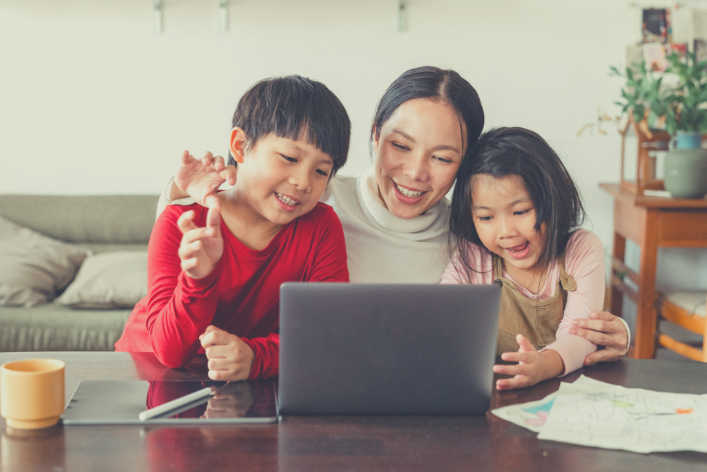 mom and kids with laptop