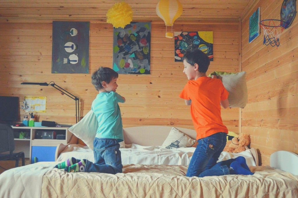 kids pillow fighting